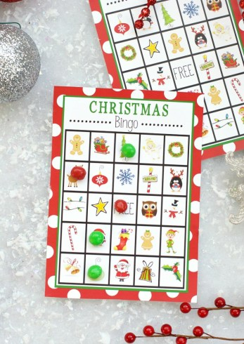 Free Printable Christmas Bingo Game to print and play this holiday season! So cute for the kids whether it's at a school party or a fun holiday party at home. #christmas #bingo #kids