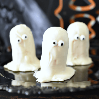 Easy Halloween Treats-Cute Ghosts