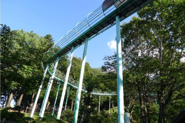 仙元山見晴らしの丘公園「巨大ローラー滑り台」って?