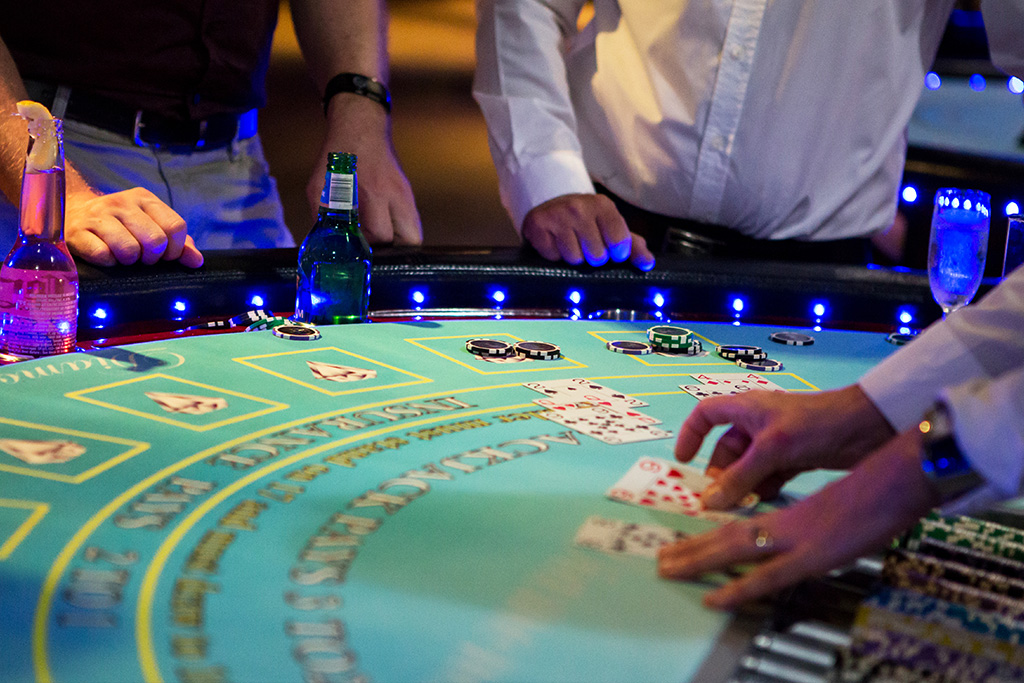 Blackjack casino table hire