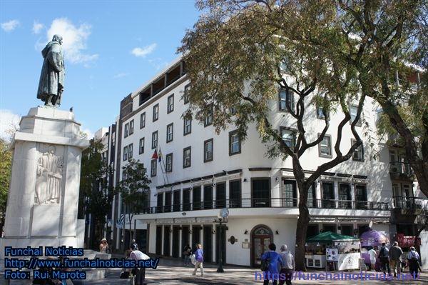 Governo baixa para 11,95 milhões o valor da venda do Edifício Golden em hasta pública