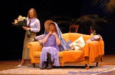 Teatro: uma das artes em dificuldades. E uma pela qual Élvio Camacho, entre outros, se tem degladiado