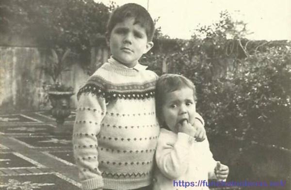 Miguel (o mais pequeno) com o irmão Francisco