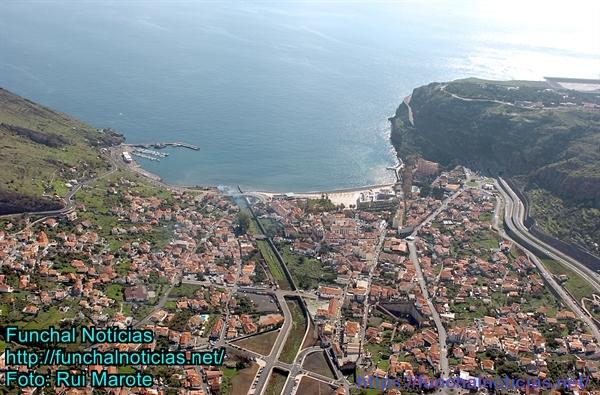 A baía de Machico vai ser a sede evocativa da chegada dos portugueses à ilha.