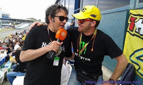 O Miguel gritou tanto pelo Miguel Oliveira que at+® teve direito a entrevista, com a bandeira do Rossi atr+ís.