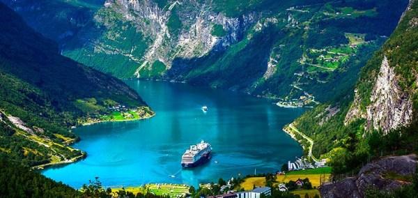 Cruzeiro aos Fiordes da Noruega