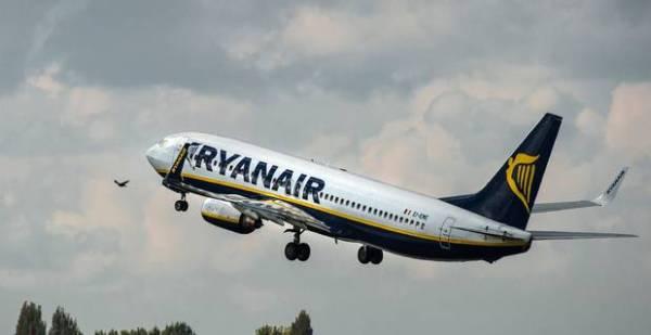 Ryanair baixa os preços para voos domésticos na Grécia para €4.99 e corta 30 por cento nas tarifas internacionais para Atenas