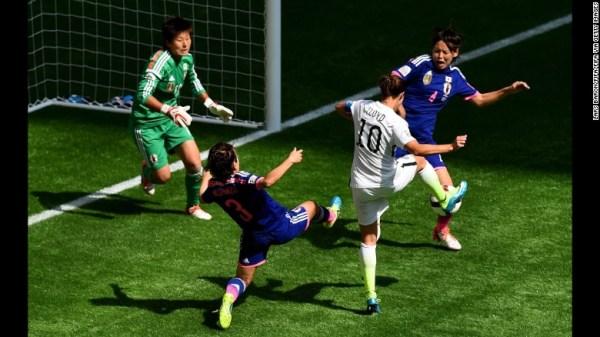 LLoyd marca o segundo golo frente ao Japão