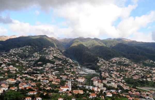 Santo António vu depuis le Pico dos Barcelos, Madère