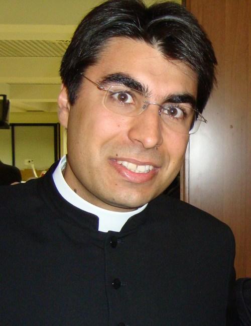 Padre Giselo Andrade celebra missa em São Roque