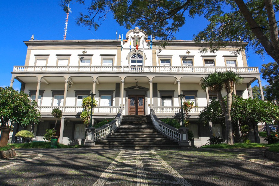 Violência doméstica dá 2 anos e meio de pena suspensa em Santa Cruz e 5 mil euros de indemnização