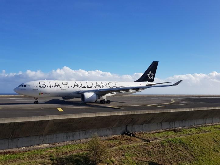 Avião 330-200