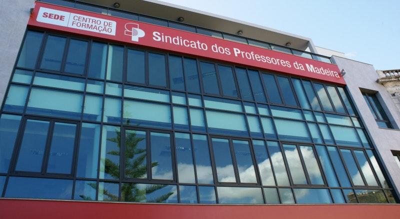 SPM esclarece processo de avaliação docente e de descongelamento da carreira