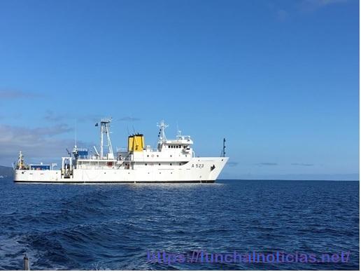 Navio Almirante Gago Coutinho em Operação