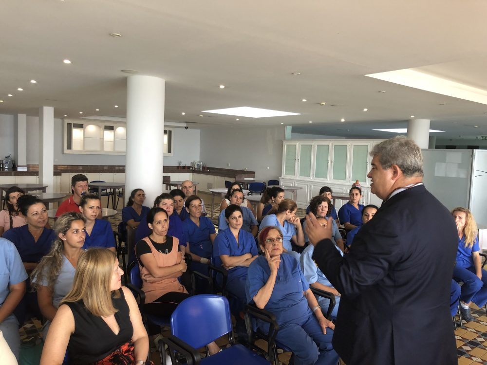 Pedro Ramos elogia SESARAM por comparação com o Serviço Nacional de Saúde