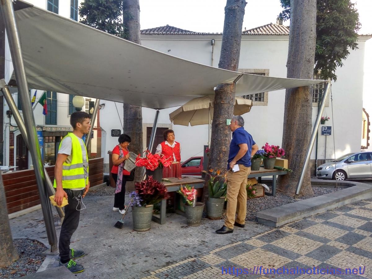 """""""Casa nova"""" com """"imagem velha"""" no regresso das floristas depois das obras"""