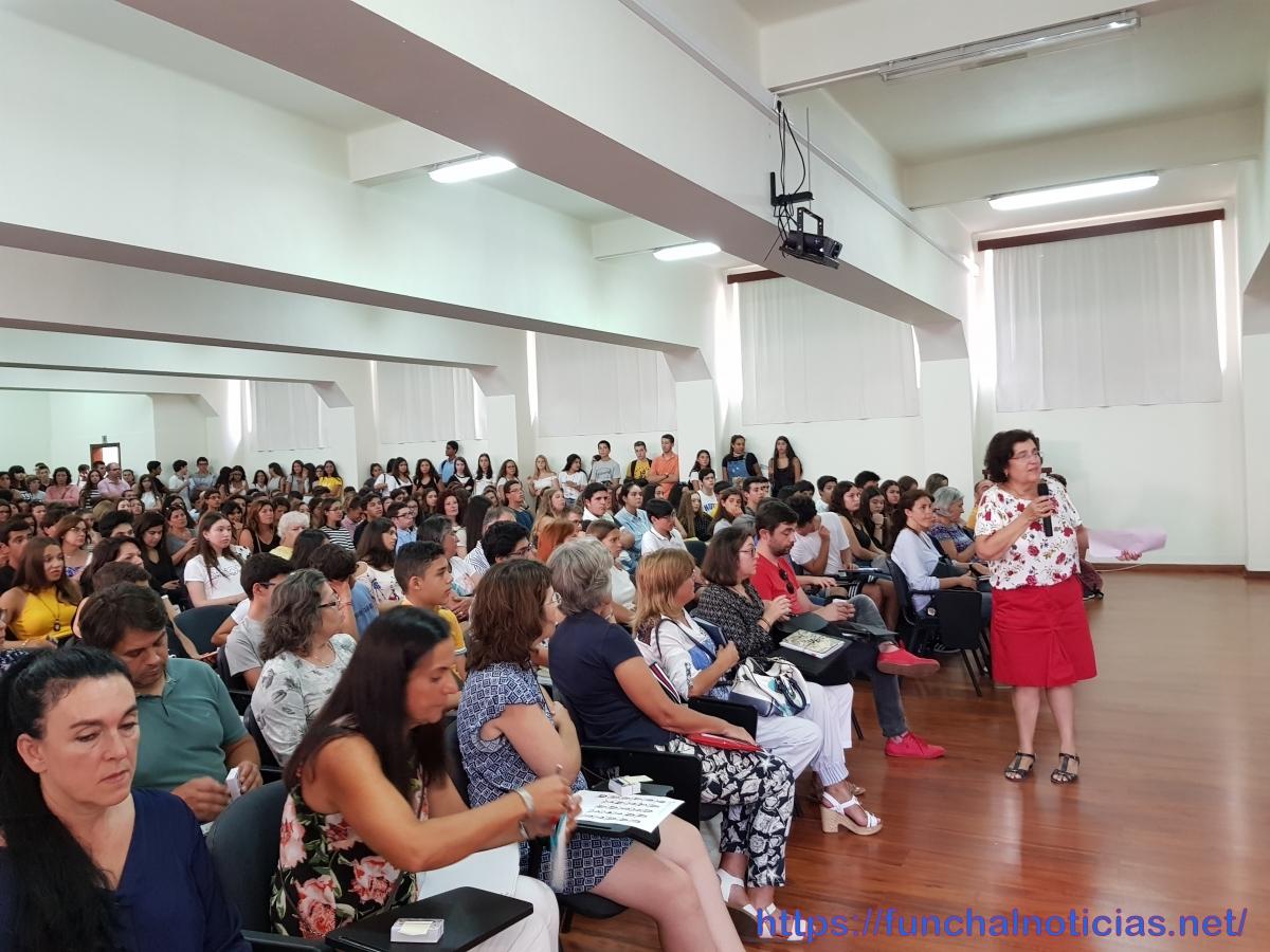 """""""Liceu"""" deu as boas-vindas a 850 novos alunos e colocou na universidade 40 em Medicina"""