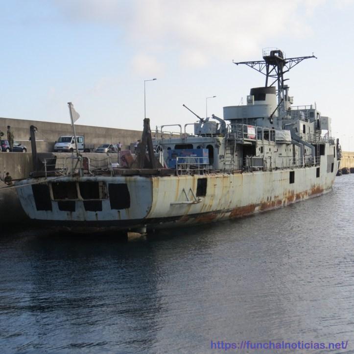 navio atracado (1)