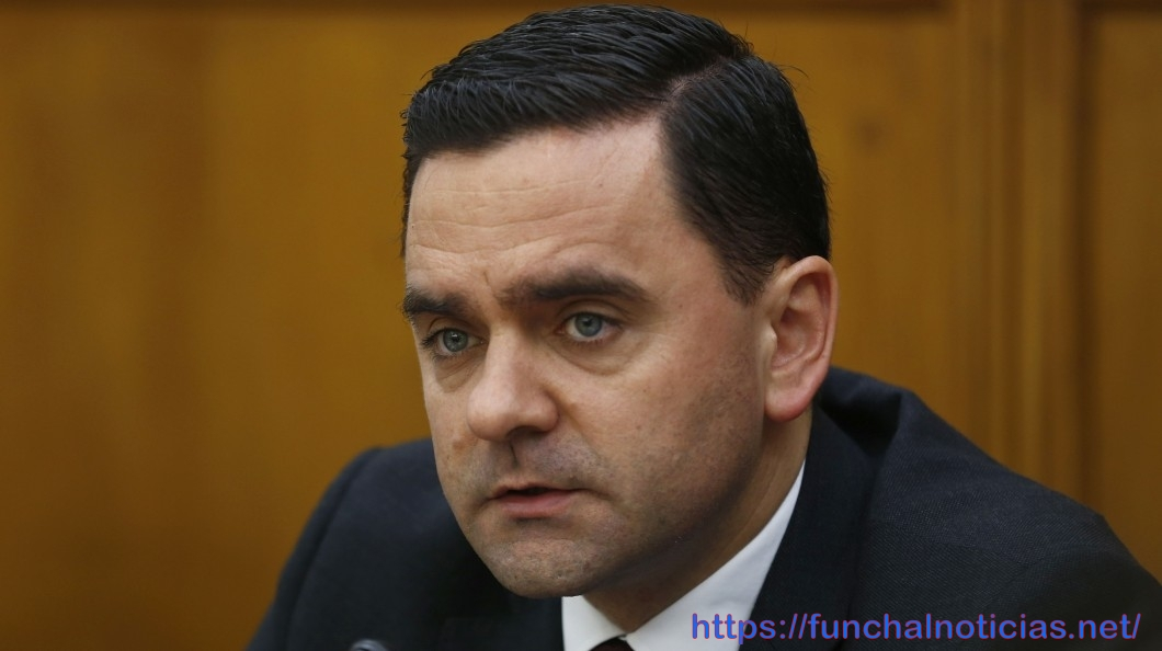 Ministro diz que o Governo Regional rejeitou a regionalização do subsídio de mobilidade com dotação orçamental da República