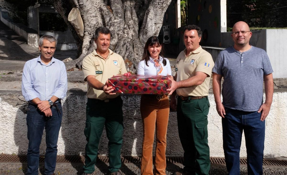 Susana Prada ofereceu cabaz de Natal aos vigilantes nas Desertas e nas Selvagens