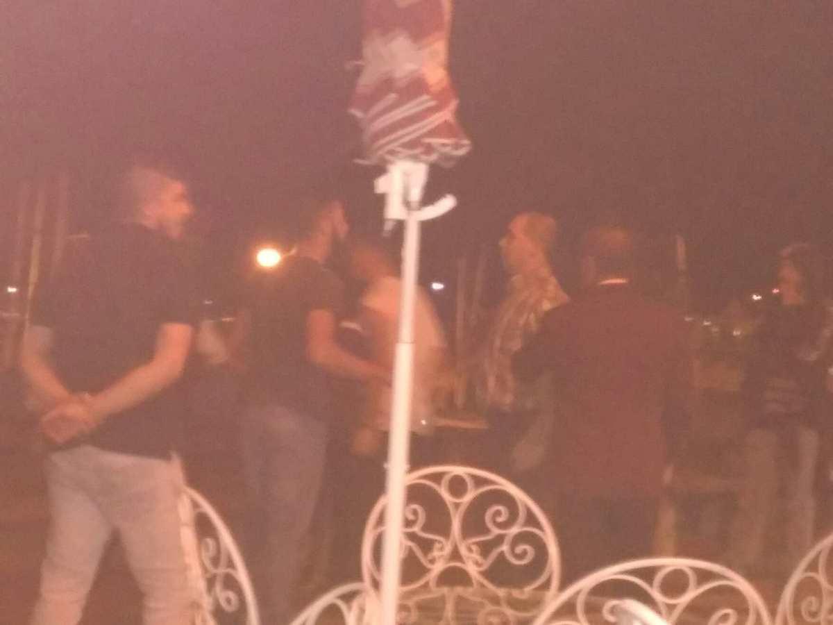 Cena de pancadaria entre jovens logo pela manhã no Funchal, funcionários de restaurante intervêm