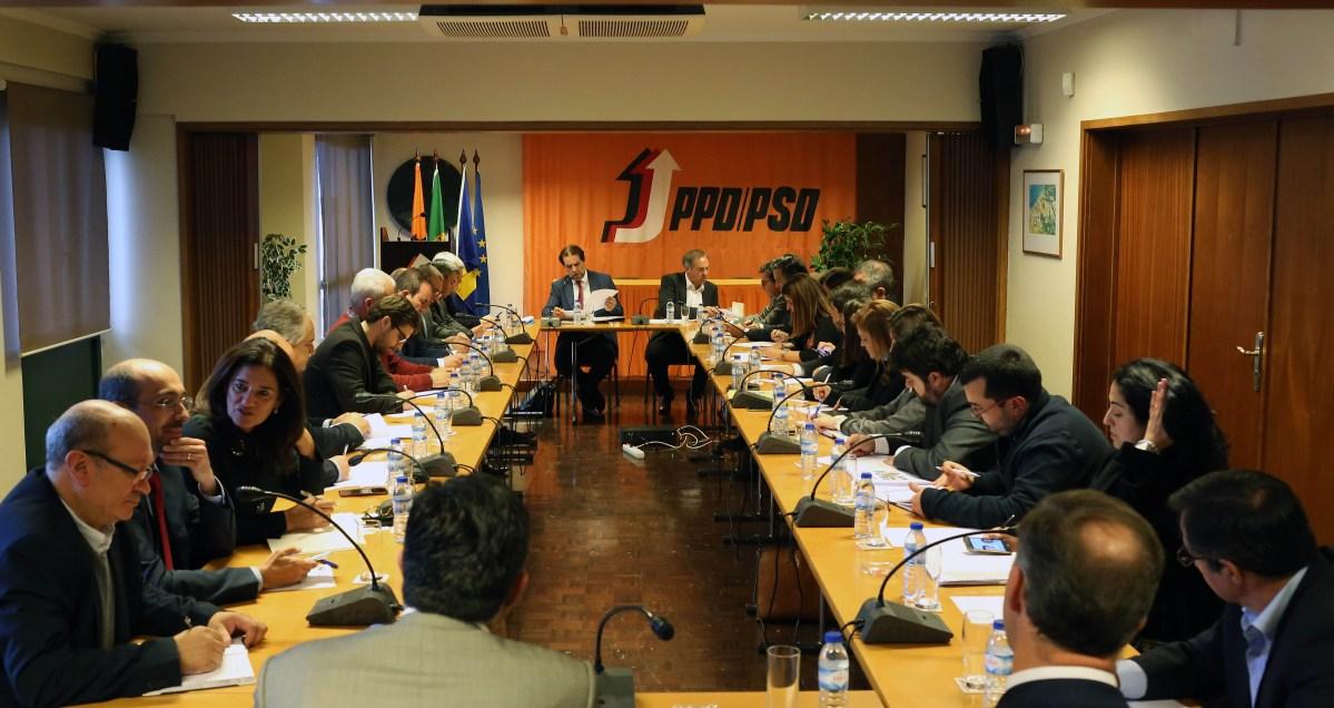 PSD-Madeira faz encontros com o povo, secretários vão andar pelas freguesias e há protestos para Lisboa