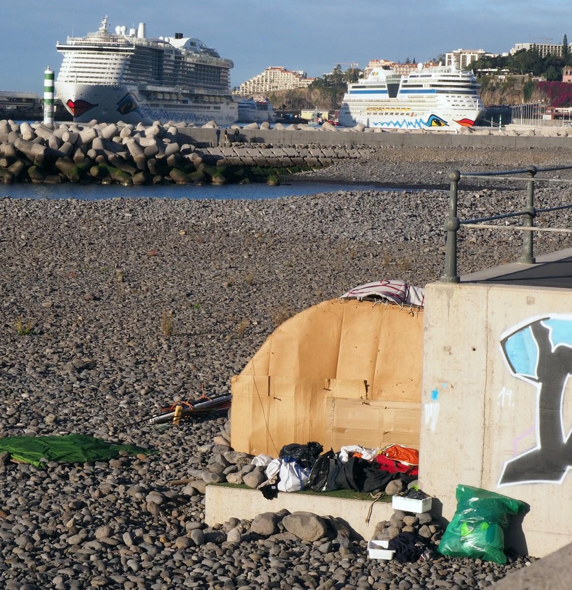 Problemas de toxicodependência e multiplicação de sem-abrigo afectam imagem turística na zona velha do Funchal