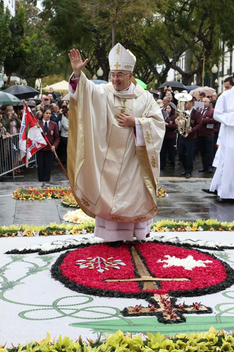 Veja mais fotos da tomada de posse de D. Nuno Brás como bispo do Funchal