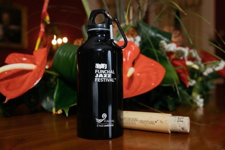 Funchal jazz com garrafas reutilizáveis