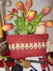 Red Tulips Clutch