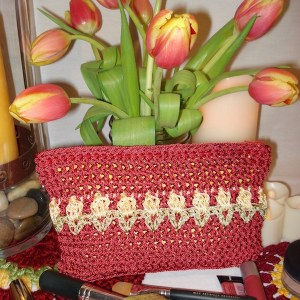 The Tulip Clutch