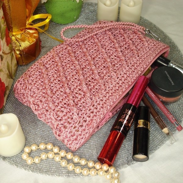 The Whimsical Clutch Pattern