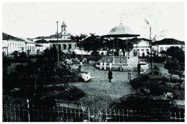 Praça Dom Pedro II – patrimônio histórico de Varginha/MG desde 2000. Construção: 1910.