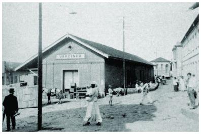1ª Estação Ferroviária de Varginha – atual Pça Matheus Tavares. Início do séc. XX.