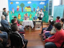 Contação de histórias para alunos da Oásis (foto Ana Luiza Romanielo 09-04-2019) (2)