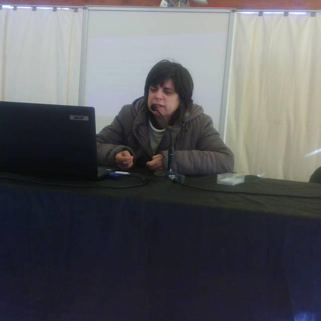Comena la xerrada de la Raquel Montllor sobre autisme ahellip