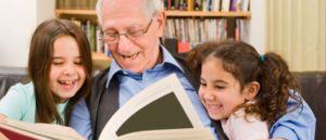 Abuelo leyendo 1