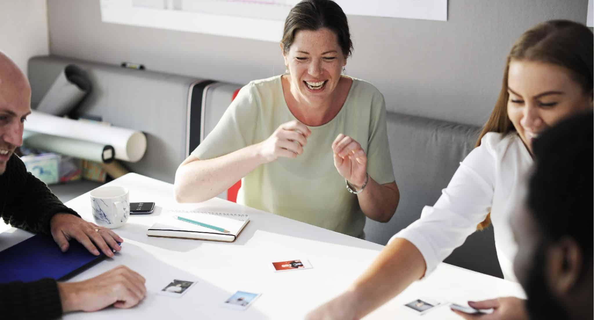Cómo Tener éxito En Una Entrevista Grupal