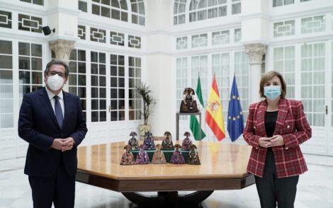 La delegada del Gobierno de España en Andalucía, Sandra García, y el presidente de la Fundación Cajasol, Antonio Pulido