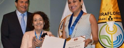Otorgan distinción a periodista Rosana Cueva