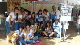 #21Agosto: Nuestros Voluntarios felices, junto a las amigas del Refugio Funasissi y los protagonista principales, nuestros peludos