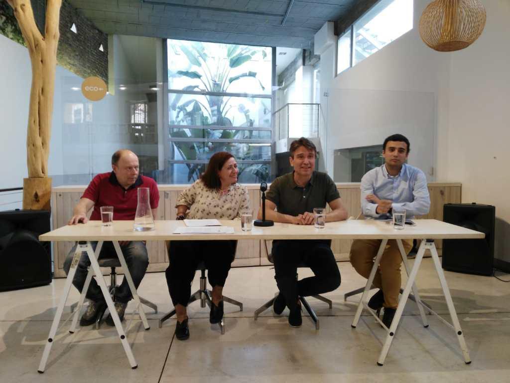 Firma de convenio fotovoltaicas El Zaguán, Amoverse y Ecooo