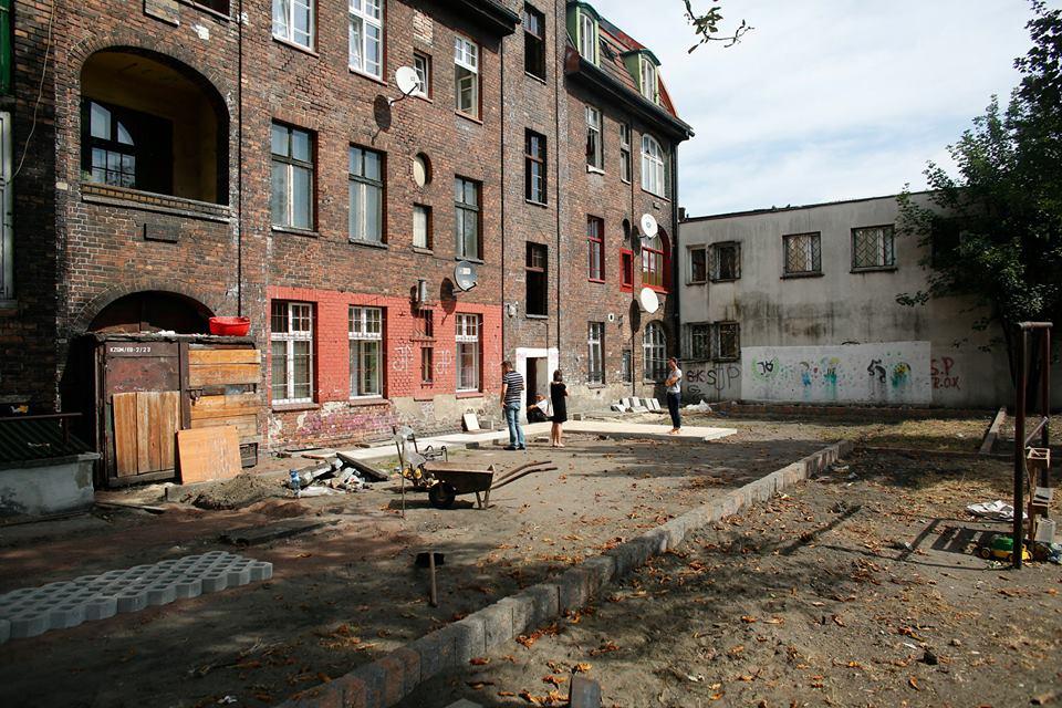 ogród społeczny plac na glanc Czarnieckiego - widok placu przed