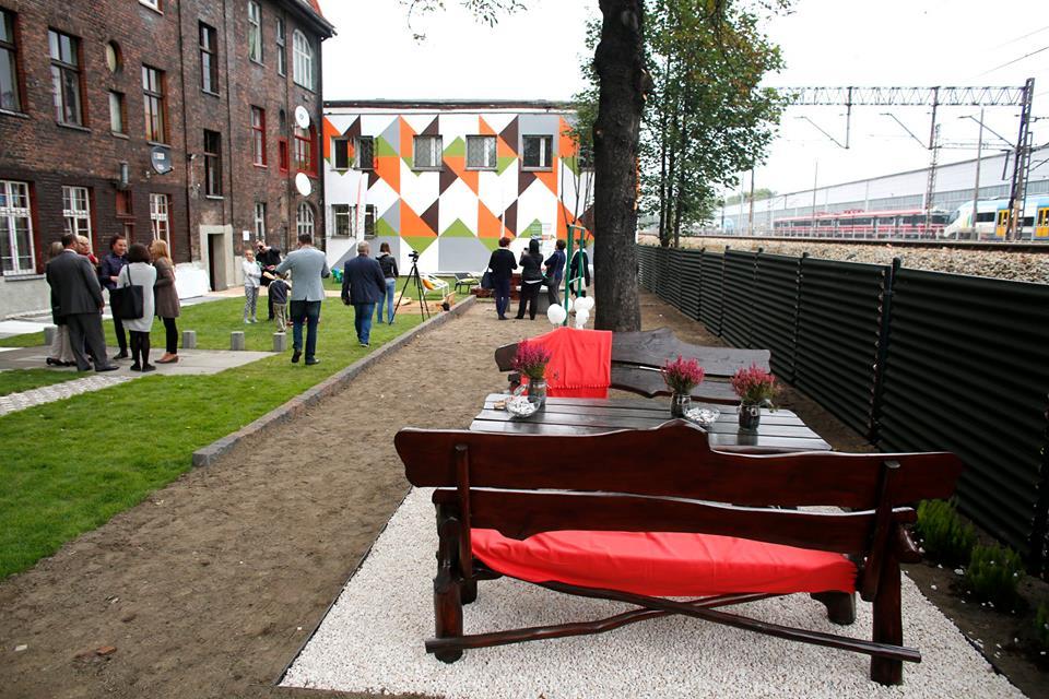 ogród społeczny plac na glanc Czarnieckiego - widok od frontu po