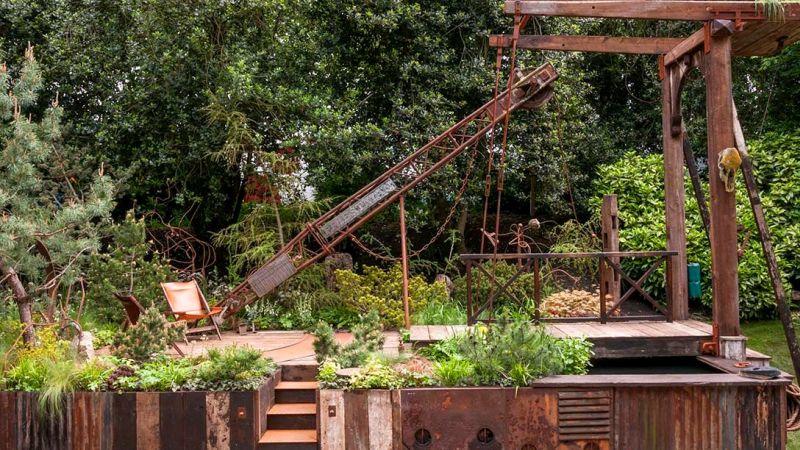 opuszczona fabryka jako ogród na zdjęciach