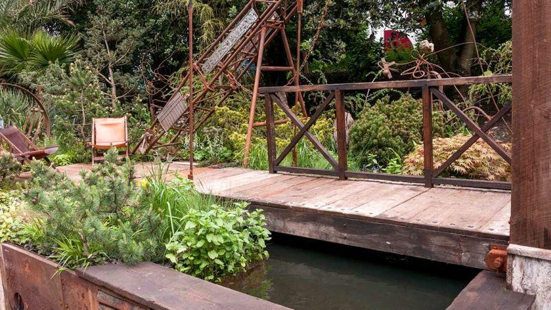 zdjęcia rdzy, woda, mostek w ogrodzie