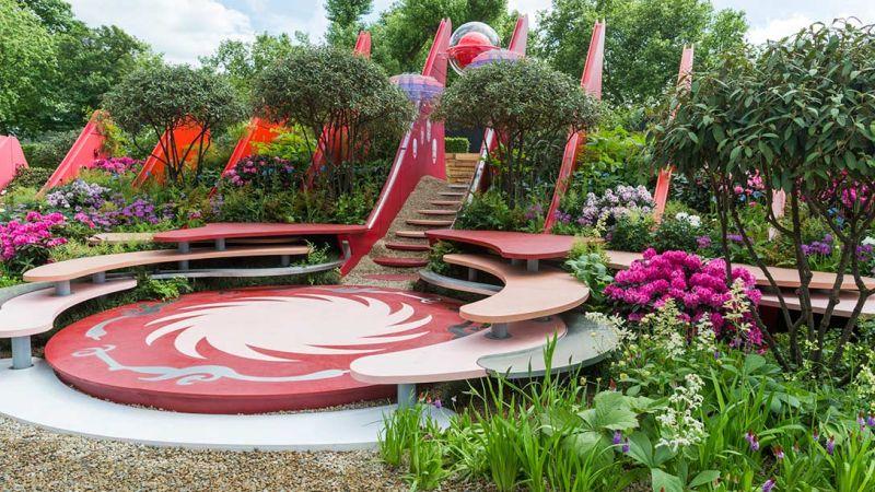 ogród w niezwykłych formach i kolorach