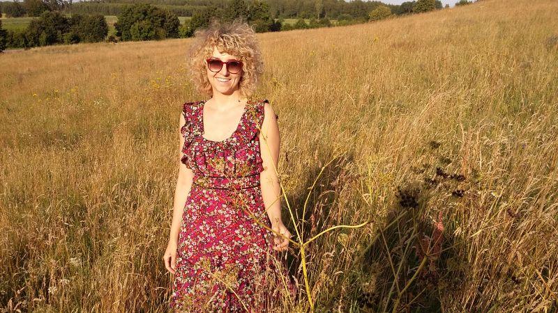 letnie zachodzące słońce na polnej łące - Kaszuby