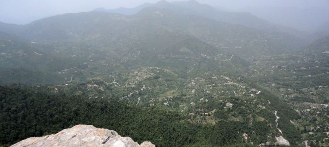 [Mukteshwar, Uttarakhand, India] The Irresistible Allure of a Small Town in the Hills