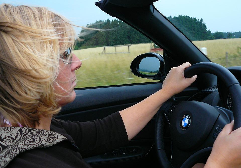 conducen las mujeres